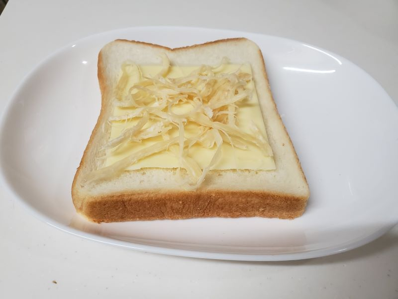 凪のお暇凪めしゴンのトースト下準備